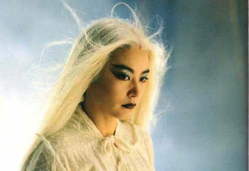 饰演者:梅艳芳   出自电影《新仙鹤神针》   导演:陈木胜